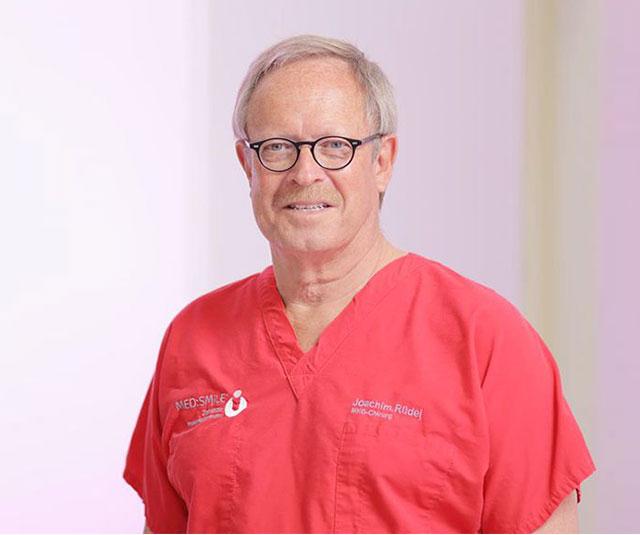 MKG Joachim Rüdel - MED:SMILE® – Zahnarzt Mannheim, Zahnarztpraxis für Zahnheilkunde und Implantologie