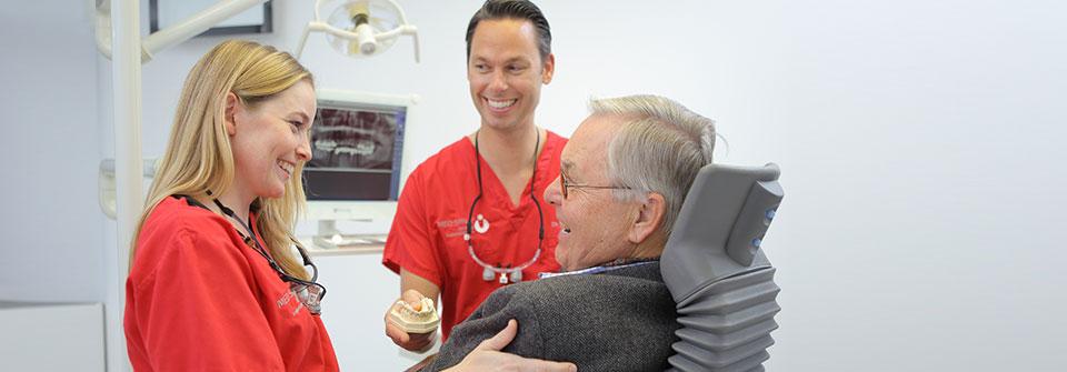 Ultraschall-Parodontitisbehandlung - MED:SMILE® – Zahnarzt Mannheim, Zahnarztpraxis für Zahnheilkunde und Implantologie