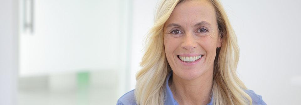 Was ist eine Parodontitis? - MED:SMILE® – Zahnarzt Mannheim, Zahnarztpraxis für Zahnheilkunde und Implantologie