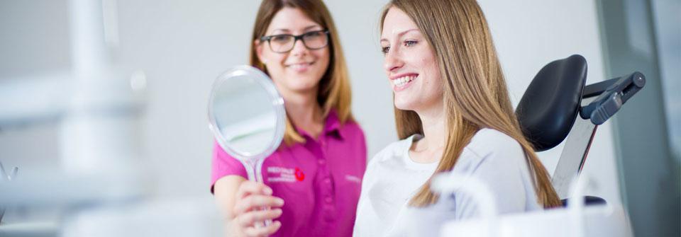 Professionelle Zahnreinigung - MED:SMILE® – Zahnarzt Mannheim, Zahnarztpraxis für Zahnheilkunde und Implantologie