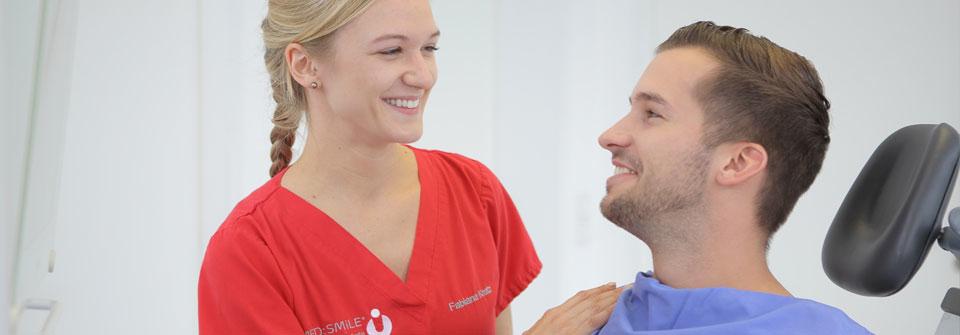 Spezielle Implantat- & Parodontitisprophylaxe - MED:SMILE® – Zahnarzt Mannheim, Zahnarztpraxis für Zahnheilkunde und Implantologie