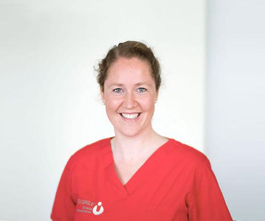 Dr. Juliane Simon - MED:SMILE® – Zahnarzt Mannheim, Zahnarztpraxis für Zahnheilkunde und Implantologie