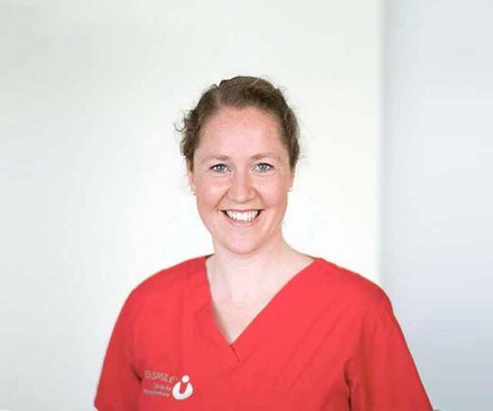 med-smile kieferorthopaedin dr. juliane simon - MED:SMILE® – Zahnarzt Mannheim, Zahnarztpraxis für Zahnheilkunde und Implantologie