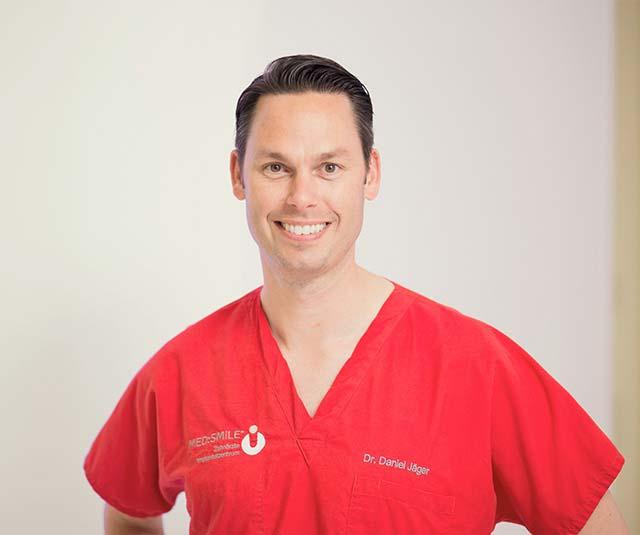 med-smile zahnarzt mannheim dr. daniel jaeger - MED:SMILE® – Zahnarzt Mannheim, Zahnarztpraxis für Zahnheilkunde und Implantologie